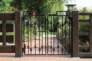 Modernūs kiemo vartai vertinantiems kokybę